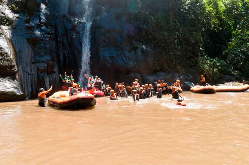 Air Terjun Di Sungai Ayung